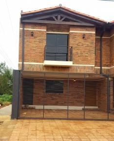 Duplex a estrenar en Luque con patio