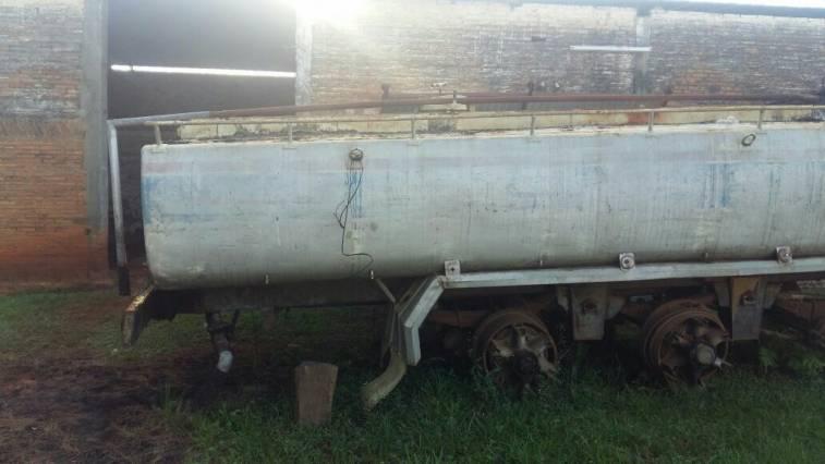 Tanque cisterna para semiremolque eleno for Tanque cisterna