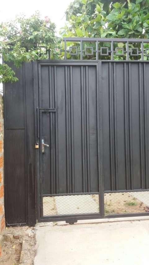 Portón de hierro corredizo