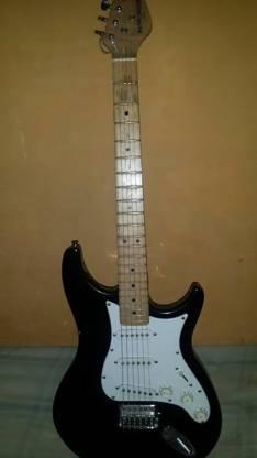 Guitarra eléctrica Behringer en impecable estado