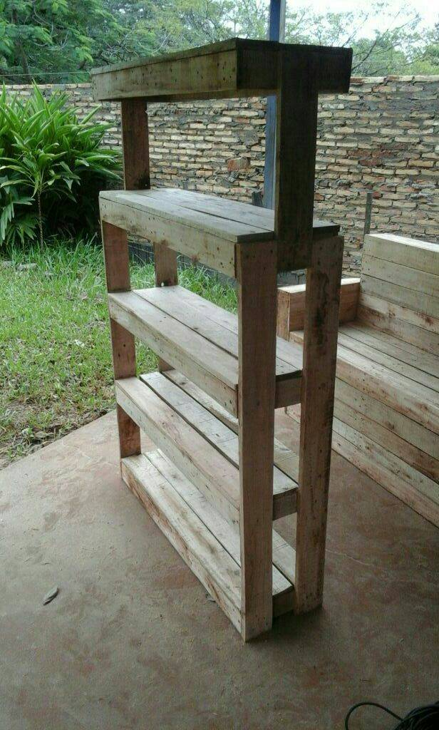 Mueble hecho de palets tadi for Mueble hecho con palet