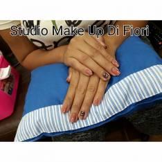 Spa de manos uñas con diseño