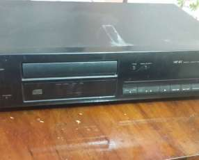 Disquetera compact disc player