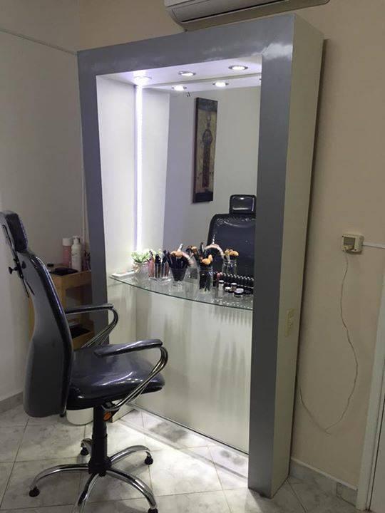 Espejo blanco con luces led y silla para maquillaje - Espejos con luces ...