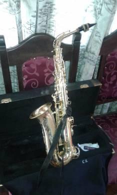 Saxo alto WERILL P. WEINGRILL