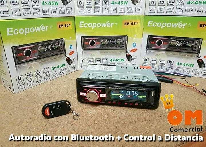 Autoradio con Bluetooth y control a distancia