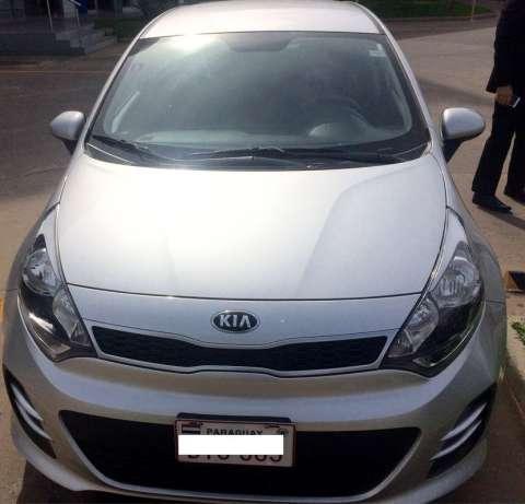 Kia Rio hatch 2016 Automático