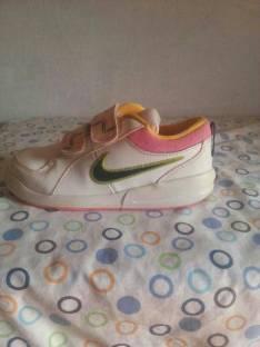 Calzado Nike calce 29/5