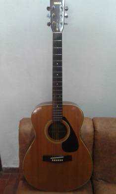 Guitarra Yamaha FG-331 ELECTROACÚSTICA
