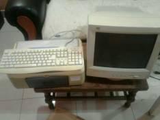Monitor impresora multifunción teclado mouse
