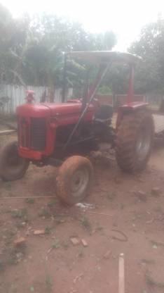 Tractor Masey Ferguson 235