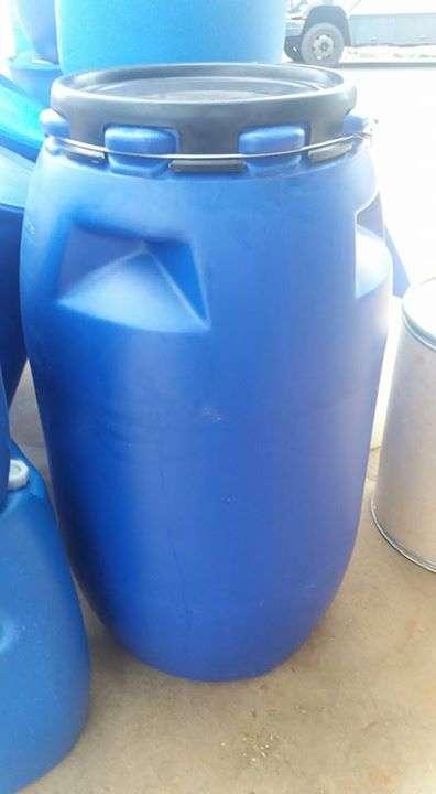 Termos forrados de agua fria caliente de 2 5 litros for Tambores para agua