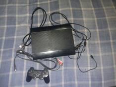 PS3 con 2 controles y 1 juego