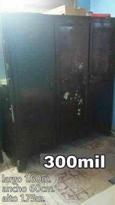 Ropero de 3 puertas