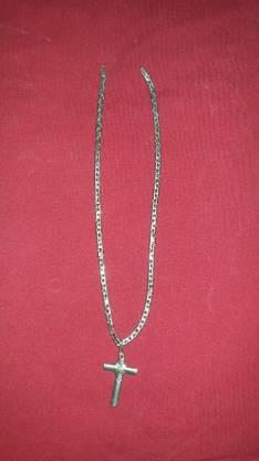 Cadena de plata con detalles de oro