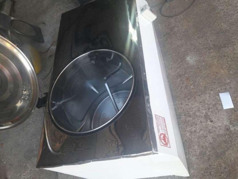 Amasadora rápida capacidad para 25 Kg. Tacho en Acero Inox.