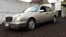 Mercedes Benz 1997 E220 diésel financiado