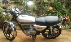 Motocicleta Kawasaki Z200