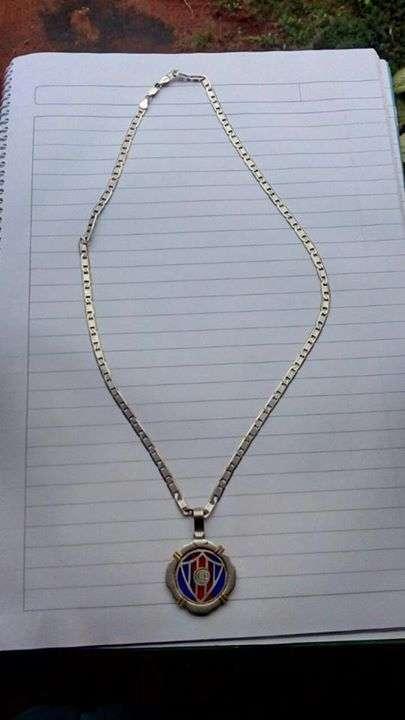 e46f84c3633b Cadena de plata con medalla - Petronilda Caballero - ID 324250