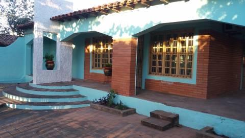 Casa en Villa Elisa 720 m2