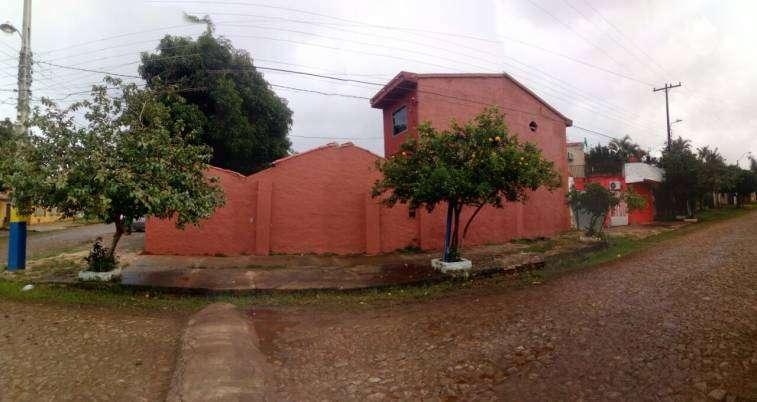 Casa en esquina en Luque 4to Barrio - 4