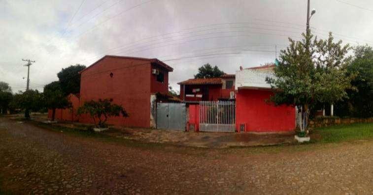 Casa en esquina en Luque 4to Barrio - 7