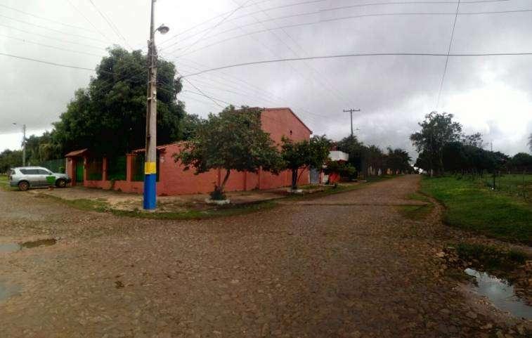 Casa en esquina en Luque 4to Barrio - 2