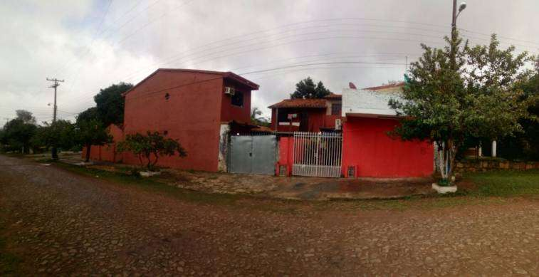 Casa en esquina en Luque 4to Barrio - 5