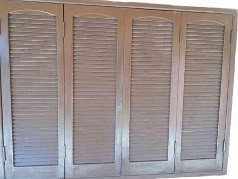 Marco con las ventanas nicolas - Persianas madera ...