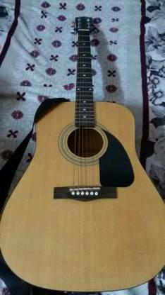 Guitarra Fender FA-100