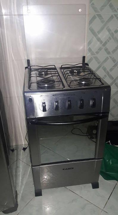 Cocina de 4 hornallas clarisa d rm for Cocinas 8 hornallas