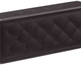 Speaker bluetooth portable de Amazon Basics