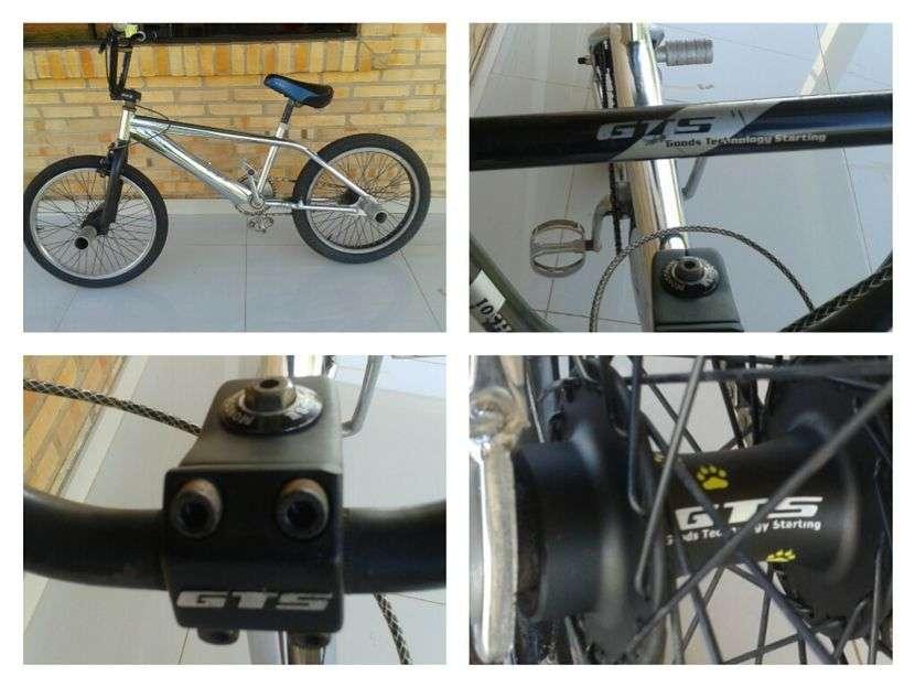 Biciclata BMX