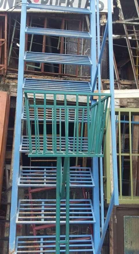 Escalera caracol de 3 metros feria for Escalera 8 metros