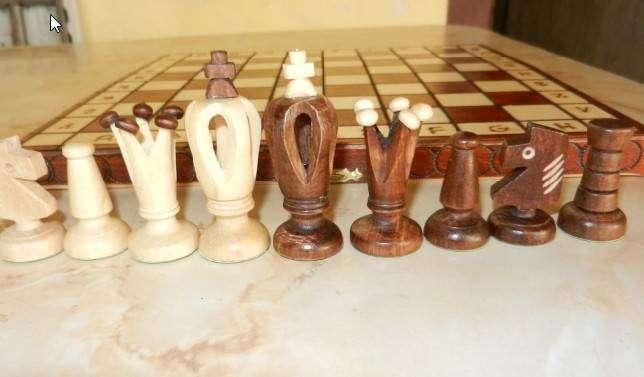 Juego de ajedrez artesanal - 1