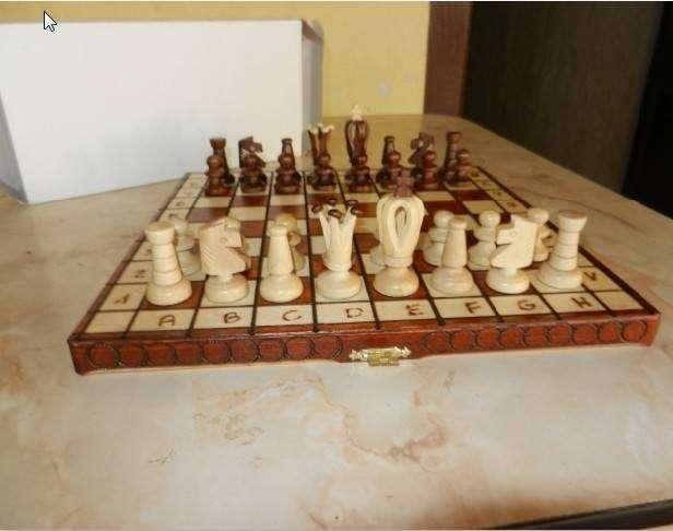 Juego de ajedrez artesanal - 2
