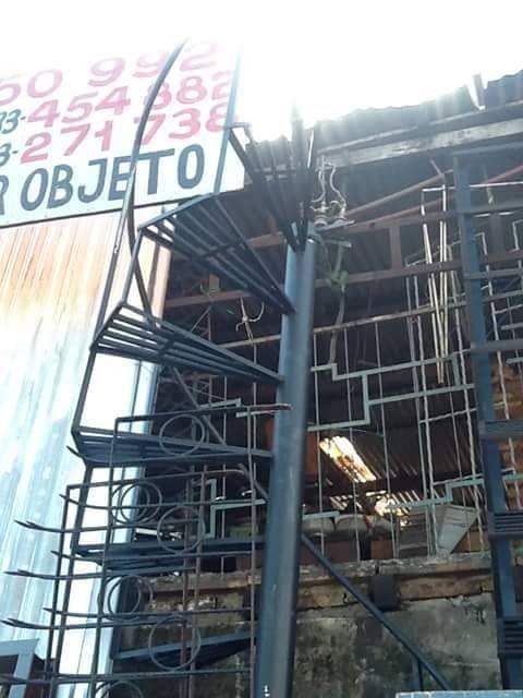 Escalera de caracol 3 metros y recta de4 metros arnulfo for Escaleras 15 metros