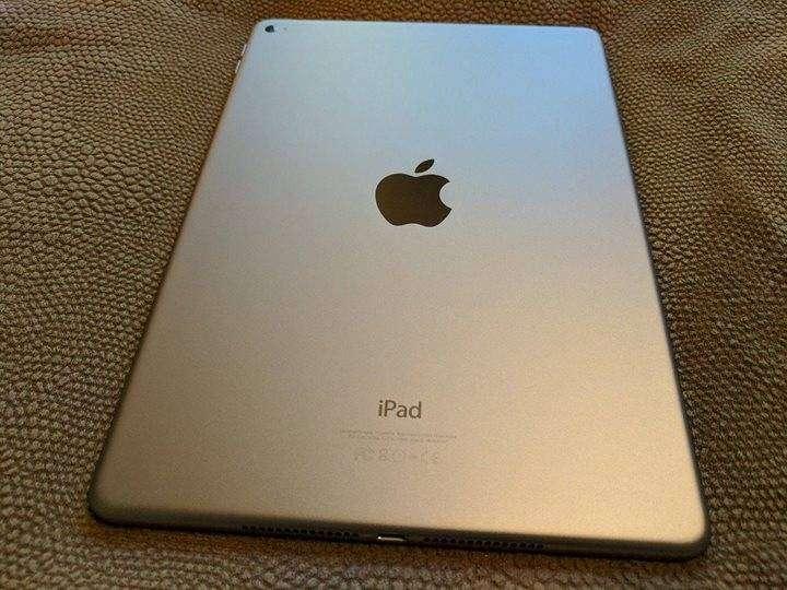 iPad Air 2 128GB en caja, con 2 forro inteligente de cuero. - 0