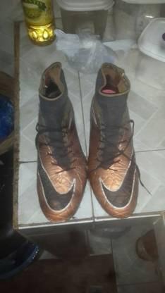 Nike Botita hupervenom