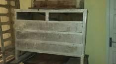 Mueble con cajones a restaurar
