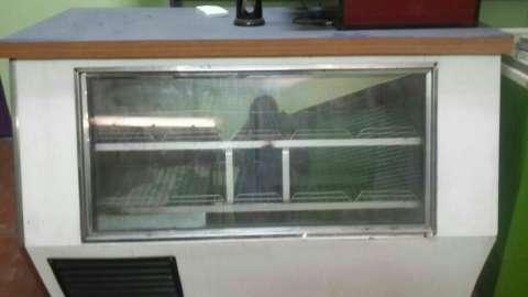 Mostrador y congeladora 4 puertas