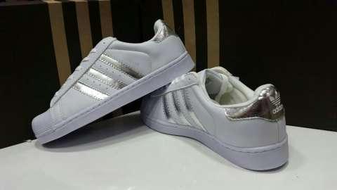 Champion Adidas tapita brasilero