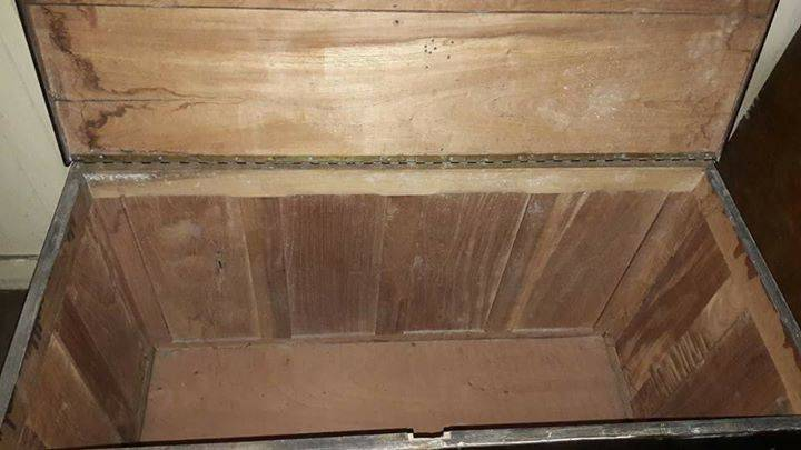 Ba l de madera antiguo karla mikela walsh pissolato - Baul de madera antiguo ...