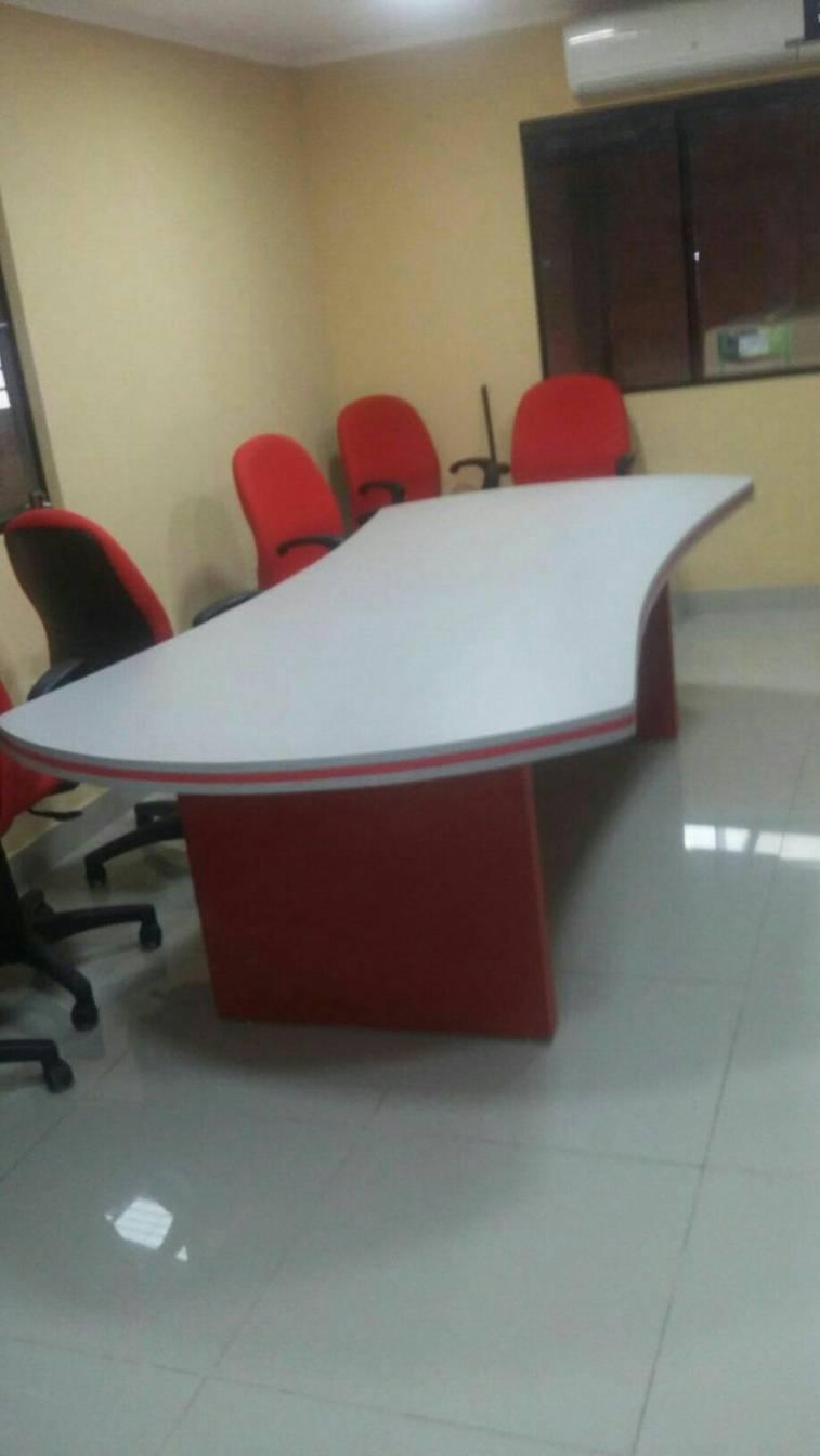 Muebles para oficina mesa de reunion regruesado l s for Muebles de oficina en l
