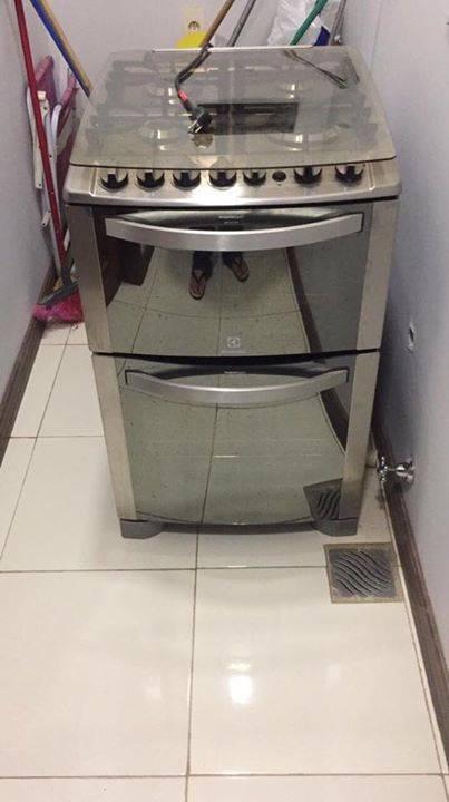 Cocina a gas y el ctrica doble horno electrolux soledad for Cocina a gas y electrica