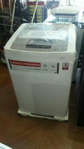 Lavarropas automático LG de 9 kilos