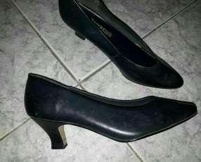 Zapato negro calce 38 39