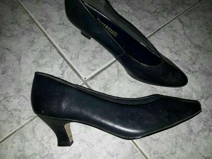 Zapato negro calce 38 39 - 0