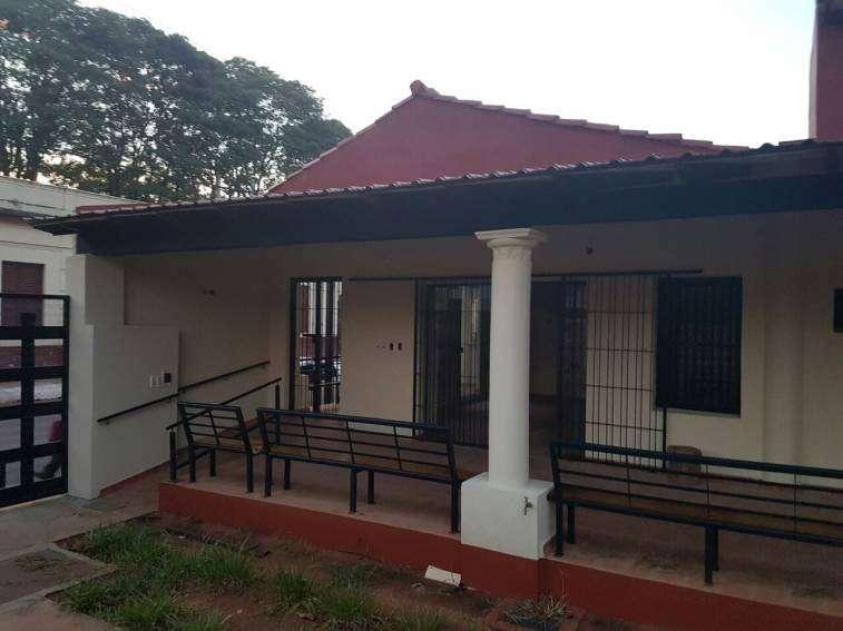 Casa en San Lorenzo. A una cuadra de la municipalidad - 2
