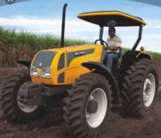 Trabajos de arado de tierra y limpieza de terrenos